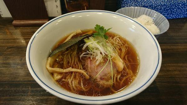 「醤油ラーメン」@らぁ麺  麦一粒の写真