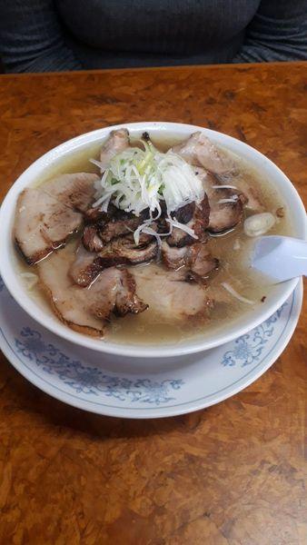 「チャーシュー多い麺塩味 炒飯唐揚げ」@かし亀の写真