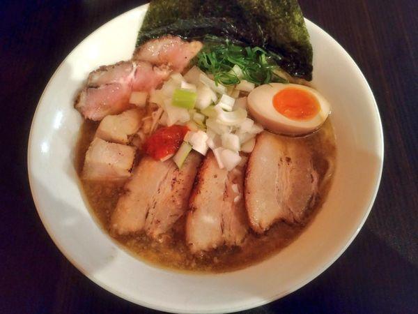 「きまぐれ限定 肉煮干し中華そば」@麺屋 シロサキの写真