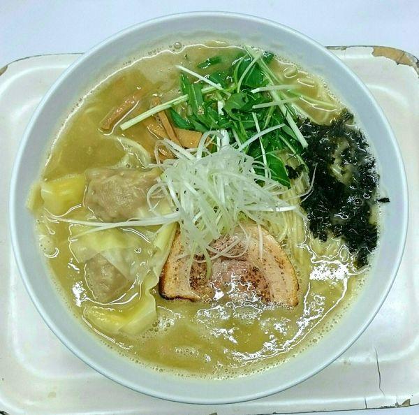 「ワンタン塩らーめん(細麺)」@塩ラーメン・つけめんのお店 はないちの写真