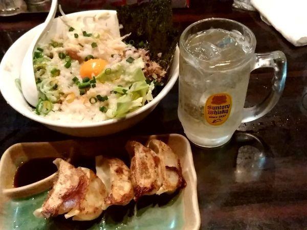 「油そば(並盛)788円+餃子237円+ハイボール106円」@環七ラーメン 周麺の写真