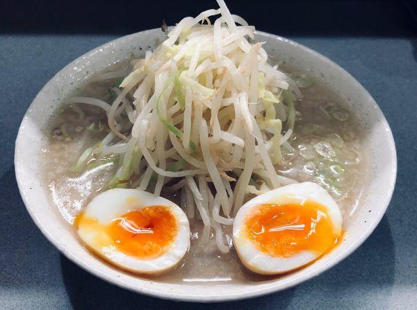 「塩ラーメン+味玉(¥800)」@ラーメン 虎ノ門店の写真