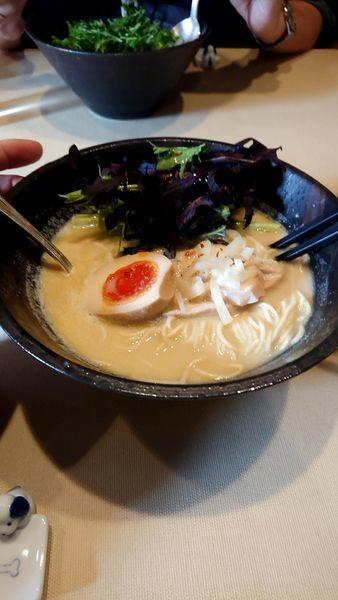 「白胡麻と豆乳のラーメン+豚の柔らか煮のタレご飯」@Aux Gourmands(オー・グルマン)の写真