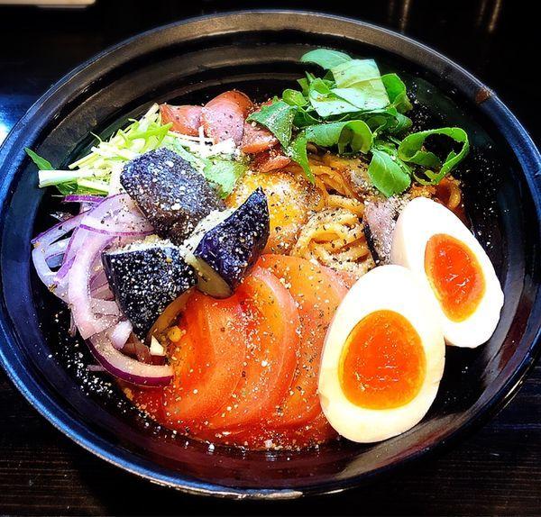 「【数量限定10食】辛トマまぜそば(味玉)」@麺や 笑 ~Sho~の写真