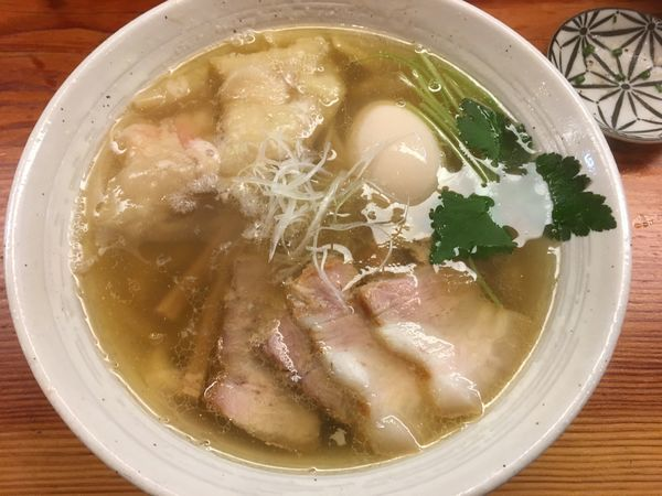 「特製塩らーめん(大盛)+炙り肉飯+缶ビール」@純手打ち 麺と未来の写真