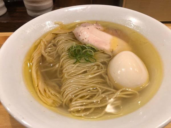 「塩そば味玉880円」@自家製麺 竜葵の写真