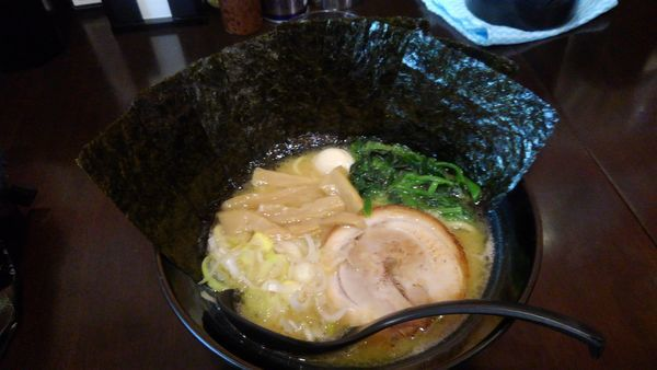 「醤油(海苔増し)」@麺侍右京 反町店の写真