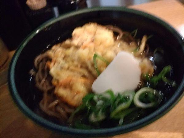 「天ぷらそば400円」@麺家 京都上がも店の写真