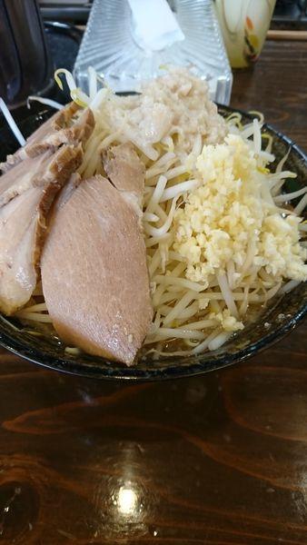 「豚湯並  800円  野菜増し生ニンニクアブラ」@らぁ麺のお店 三色の写真