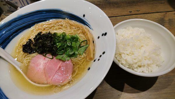 「塩、中盛り、ライス」@麺屋 翔 みなとの写真