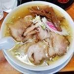「煮干しチャーシュー麺(塩)850円」@かし亀の写真