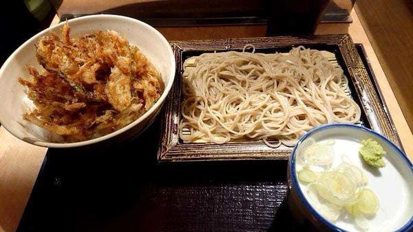 「かき揚げ丼セット550円」@いわもとQ 高田馬場店の写真