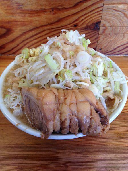 「ラーメン中750円 小豚増し100円」@ハイマウントの写真