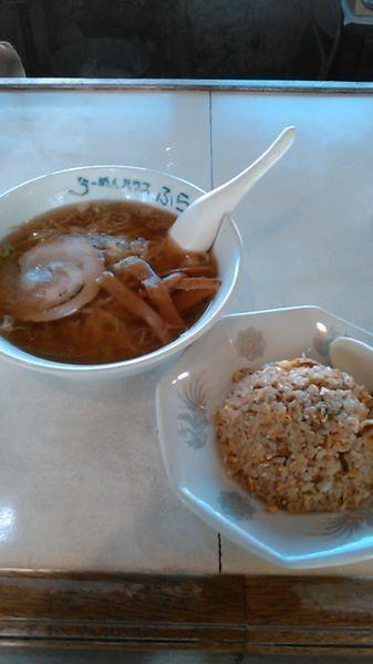 「醤油ラーメン 650円 半チャーハン 350円」@鳥匠 中村の写真