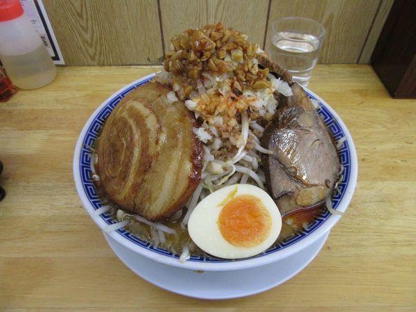 「坦々ふじ麺(820円)+バカ豚+大判+麺増し+野菜ちょい増し」@勝神角ふじの写真