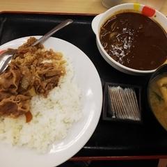松屋 生田店の写真