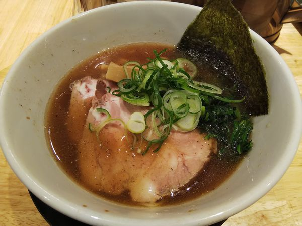 「焼きアゴ醤油麺 普通盛り」@らーめん みふくの写真