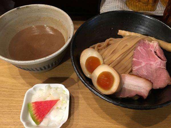 「濃厚味玉つけ麺」@いかれたNOODLE Fishtonsの写真