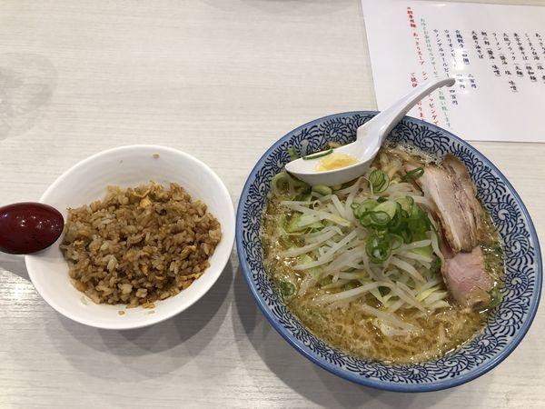「朝ラーメン 味噌二郎」@麺屋カモメ亭の写真