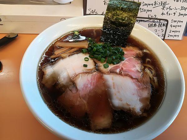 「醤油ラーメン750円+チャーシュー2枚120円」@麺屋 でこぼこの写真
