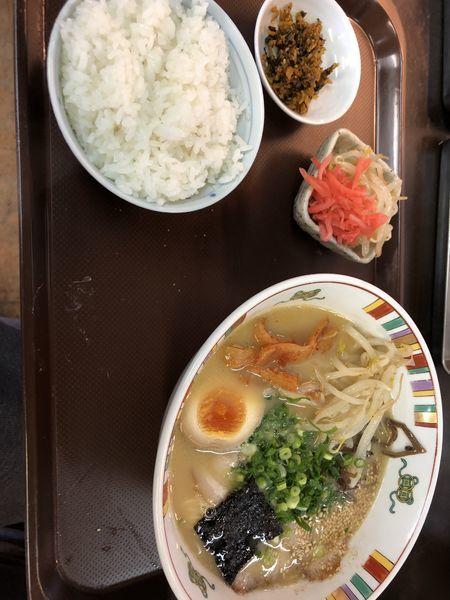 「特製ラーメン ご飯セット910円」@なかつ宝来軒 別府店の写真