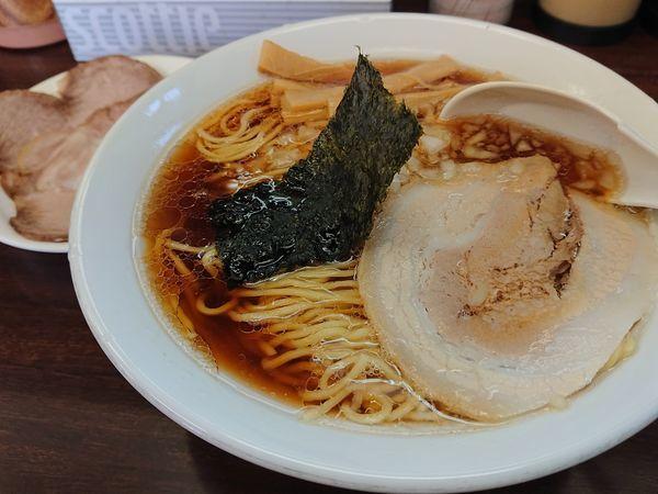 「ラーメン大(TOPチャーシュー)」@めんくい亭の写真