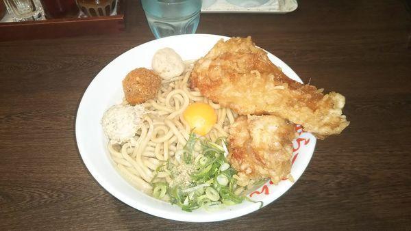 「鶏唐揚げガッツ麺」@日の出らーめん 四日市店の写真