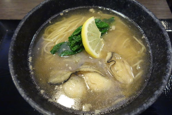 「【限定】牡蠣とかぶのとろ旨らぁ麺」@らぁ麺MORIZUMIの写真