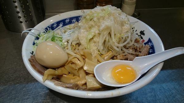 「油そば・大盛・細切れチャーシュー(ヤサイアブラ増)¥1170」@らーめん大 蒲田店の写真