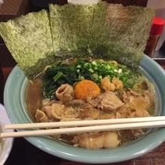 横浜家系ラーメン 肉そば家 練馬店の写真