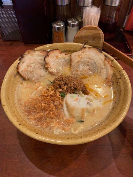 「味噌漬け炙りチャーシュー麺」@蔵出し味噌 麺場 彰膳 八幡西店の写真