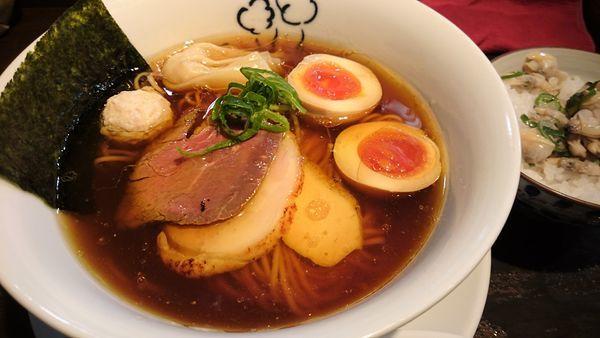 「特性鶏の醤油ラーメン」@鶏喰~TRICK~の写真