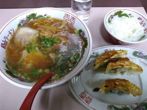 「そば定食 (中華そば+餃子3ヶ+小ライス) 750円」@中華そば 後楽本舗の写真