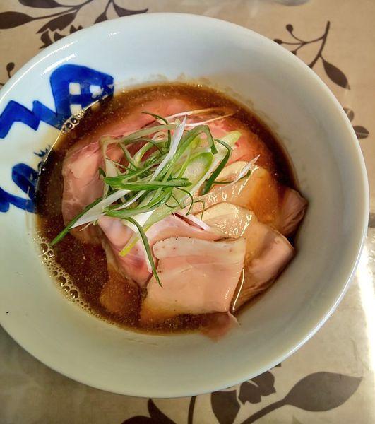 「煮干そば  上州麦豚コンフィ 1080円」@小烏丸 ramen-laboの写真