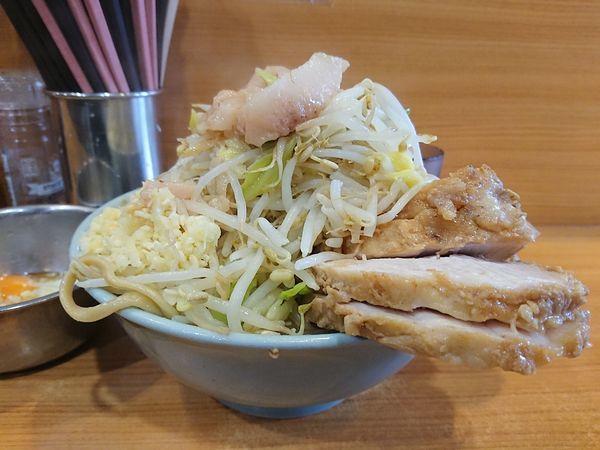 「小+豚+たまねぎたまご」@ラーメン二郎 八王子野猿街道店2の写真