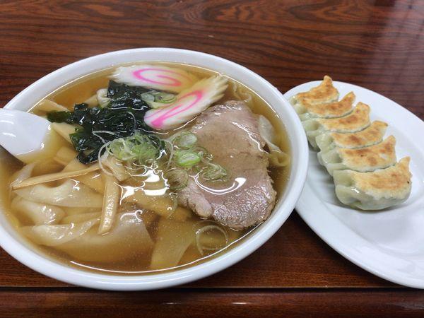 「ひもかわラーメン+餃子」@手打ちラーメン 足利麺の写真