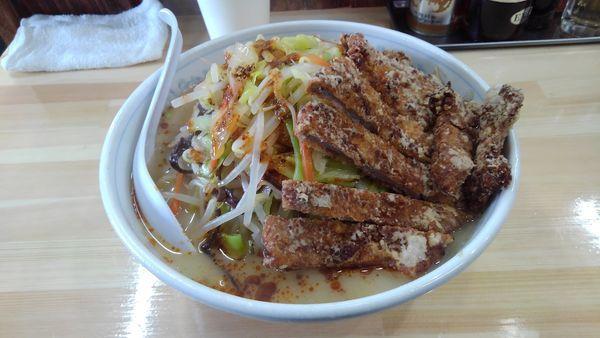「ロース塩たんめん+野菜+旨辛赤」@麺工房マルオの写真