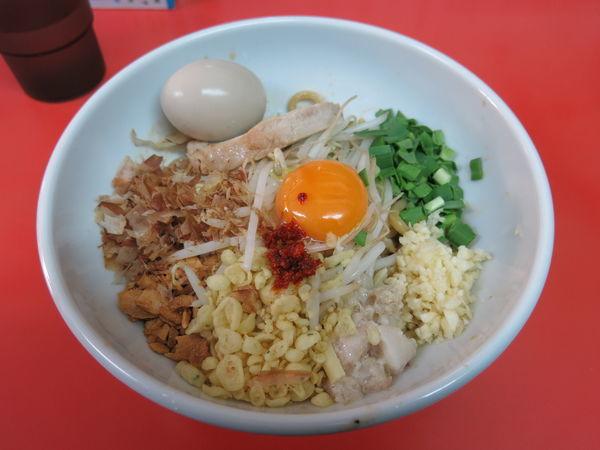 「まぜそば(小)麺少なめ:860円」@ぶたのジョーの写真