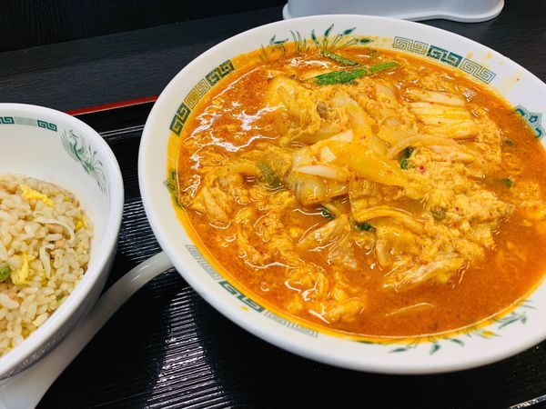 「チゲ味噌ラーメン+チャーハン」@日高屋 JR橋本駅店の写真