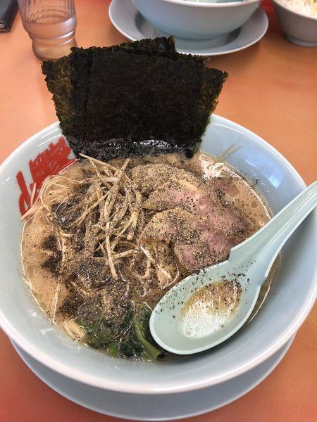 「醤油ネギチャーシュー」@ラーメン山岡家 守谷店の写真