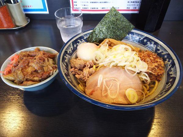 「油そば+温玉+牛すじ丼(ミニ)」@油そば 兎に角 南守谷店の写真