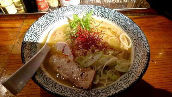「濃厚鶏白湯らーめん 680円」@濃厚鶏そば 麺屋 武一 横浜関内店の写真