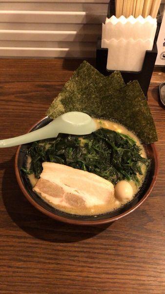 「醤油豚骨ラーメン」@横浜家系ラーメン 一正家の写真