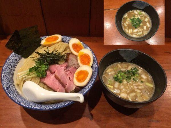 「濃厚豚骨魚介特製つけ麺 大盛 (柚子・魚介)+大人の味玉」@麺処 ほん田の写真
