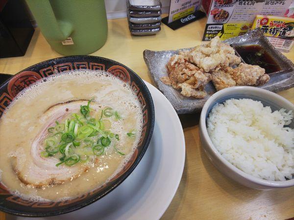 「からあげ定食1090円」@博多長浜らーめん 夢街道 大和郡山店の写真