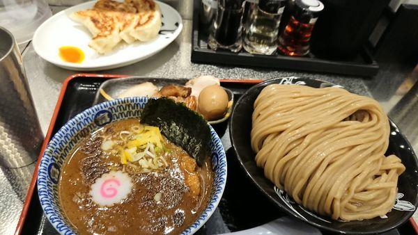 「濃厚つけめん・特盛り+柏幻霜ポーク+餃子3個」@松戸富田麺絆の写真