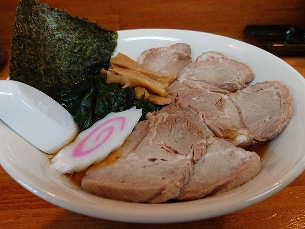 「正油ラーメン(極太麺、TOPチャーシュー)」@麺屋 せんりの写真