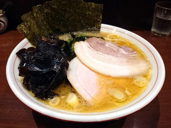 「らーめん(ばら肉)+キクラゲ」@らーめん飛粋の写真