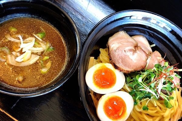 「濃厚つけ麺(サービス味玉.チャーシュー1枚)」@麺や 笑 ~Sho~の写真