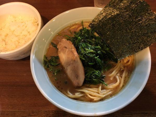 「ラーメン」@横浜家系 侍の写真